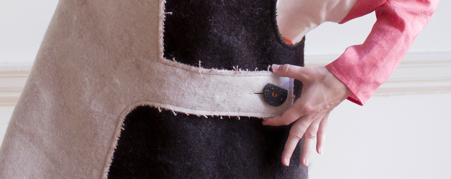 A button made using parblex - a natural alternative to plastic made out of potato peels