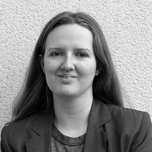 Black and white portrait of Yolanda Leask